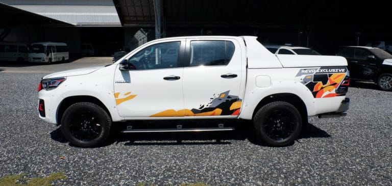 BRAND-TOYOTA-HILUX-REVO-DOUBLE-CAB-2.8-G-LHD-4X4-AUTOMATIC-1