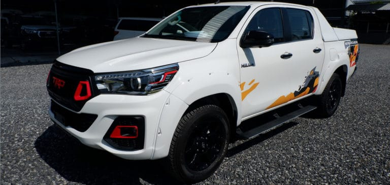 NEW-TOYOTA-HILUX-REVO-DOUBLE-CAB-2.8-G-LHD-4X4-AUTOMATIC-1