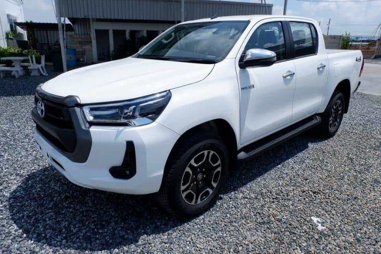 New Revo Double Cab 2.4 Mid 4x4 Manual - Standard White