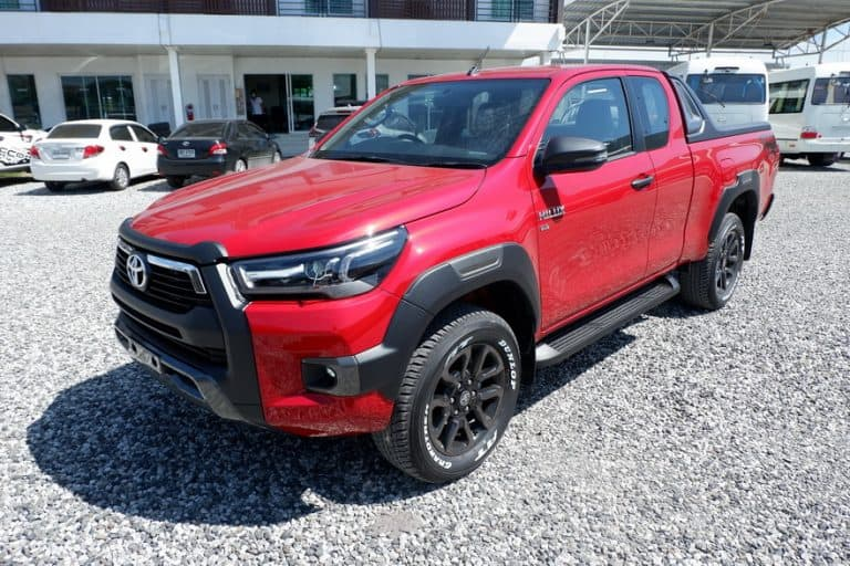 NEW REVO ROCCO SMART CAB 2.8 HIGH 4x4 AUTO - RED