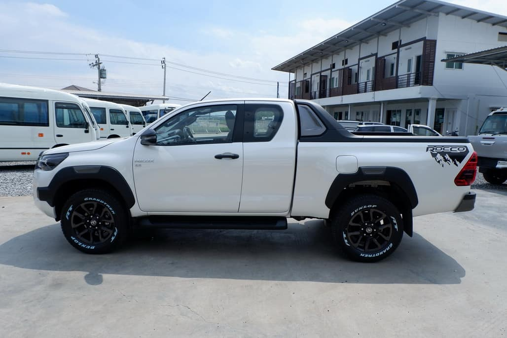 2020 BRAND NEW TOYOTA HILUX REVO DOUBLE CAB 2.8 HIGH 4×4
