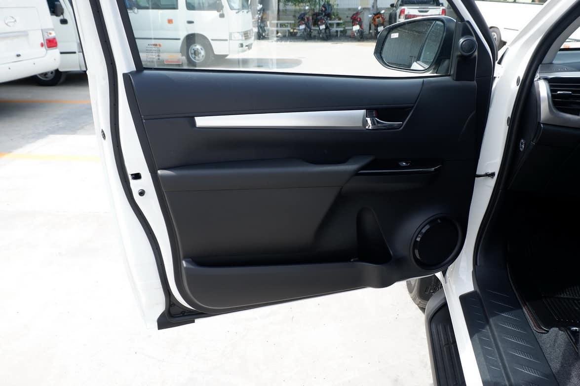 2020 BRAND NEW TOYOTA HILUX REVO SMART CAB 2.8 HIGH 4×4
